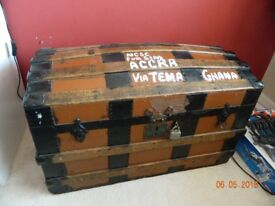 Treasure chest / travelling trunk
