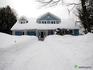 525 000$ - Maison 2 étages à vendre à Val-Des-Monts