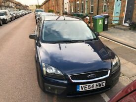 Ford Focus Zetec 2005 low millage and long M O T. Climate control