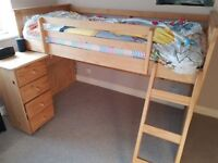 EXPENSIVE CABIN BED IN EXCELLENT CONDITION