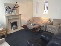 4 Bed house, Bills included, close to the airport, transport, amenities, Off Rd Parking, furnished