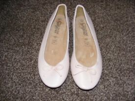 Pale Pink Flat Shoes Size 4 (Not Been Worn)