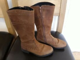 Girls clarks brown leather boots size 12,5F