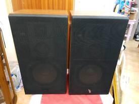 JVC vintage wooden speakers model S-P33 WE