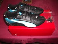 Mens size 10 Football boots