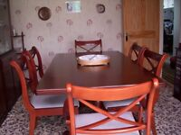 Mahogany Dining room Furniture including Table and 6 Chairs