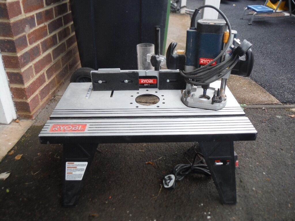 Ryobi 240v router and ryobi router table in ross on wye for Router table and router
