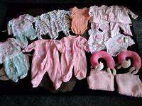 Twin girls early newborn first 0-3 ml5