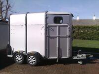 HB505 classic horse box trailer