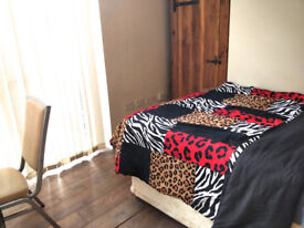 4 SINGLE AND DOUBLE ROOMS NEAR CITY CENTRE AND FESTIVAL PARK, ALL BILLS AND WIFI INCLUDED