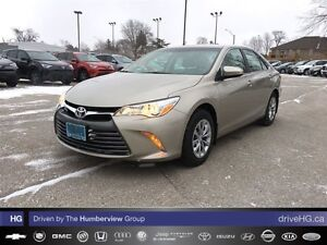 2015 Toyota Camry 4-Door Sedan LE 6A | LOW KM | HEATED SEATS |