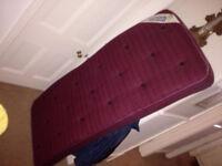 2 Sleepeeze Spacesaver mattresses. Little used.