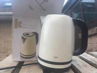 Logic kettle cream
