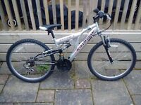 Boys Mountain Bike with suspension in excellent condition