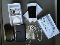 iphone 4s in mint condition with box Unlocked to any sim