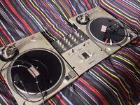 2 x Technics SL 1200 MK2 + Mixer. Bargain!