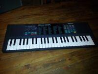 Yamaha Portasound PSS-270 Keyboard