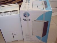B&Q BLYSS 10l DEHUMIDIFIER, AS NEW WITH BOX AND INSTRUCTIONS,