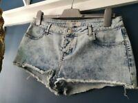 "Top Shop denim ""daisy"" shorts/hotpants"