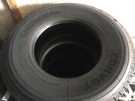 Super single truck tyre