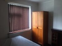 Double Bedroom £80/week No deposit Yardley-Sheldon