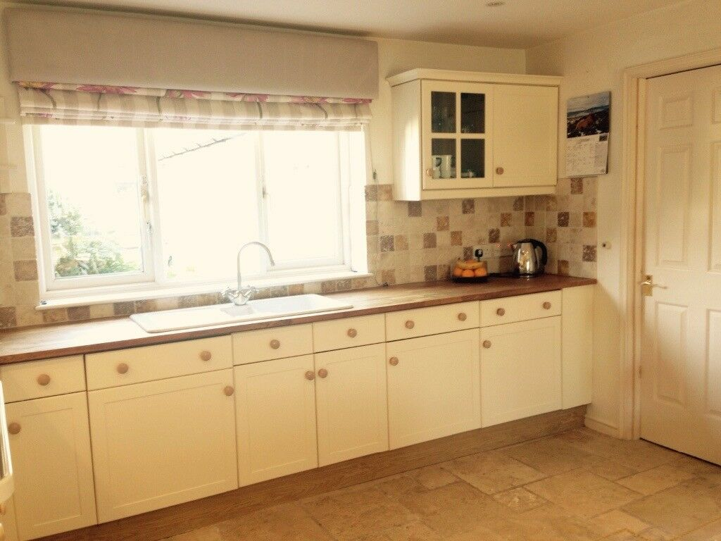 Shaker Style Cream Kitchen With Black Granite And Oak Worktops With Appliances In Falmouth Cornwall Gumtree