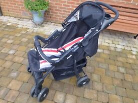 Hauck Stroller/Buggy in Ex. condition, Accessory shelf/Pouch/Large basket/Rainhood/Raincover/Folds