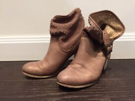 Boots in Leather Size 4 UK extremely comfortable
