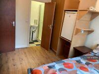 1 bedroom in Enfield, Enfield , EN3 (#935915)