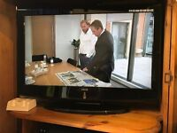 """32"""" LCD HD Ready Excellent Condition TV Good as New"""
