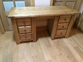 FABULOUS solid oak dressing table BELFAST NEWCASTLE can deliver if needed bedroom livingroom kitchen