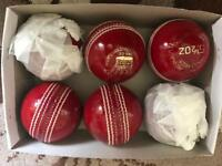 Cricket balls 6 in a box