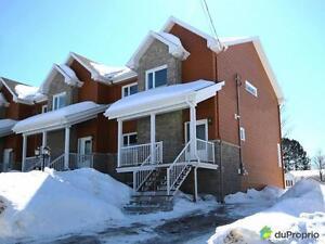 249 500$ - Maison en rangée / de ville à Ste-Catherine-de-la-J