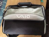 Genuine SONY VAIO PCGE-CCP2W City Style Nylon Notebook 17'' Carry Case