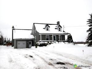 220 000$ - Maison 2 étages à vendre à Parisville