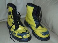 Dr martens boots Air Wair safety boots size 9 yellow and black
