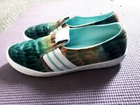 Adidas woman footwear size 6