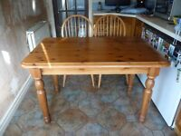 Kitchen Table and Chairs Medium Pine