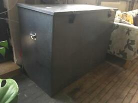 Galvanised metal tool chest/storage trunk/container