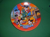 6 Disney Plates - HOUSE CLEARANCE