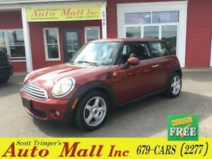 2008 MINI Cooper Hardtop Classic /Leather & Sunroof