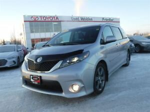 2016 Toyota Sienna SE 2800kms\Back-Up Cam\Leather