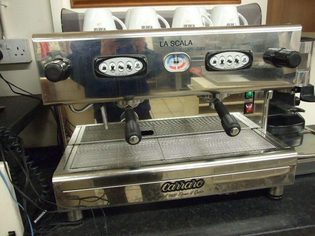 coffee machine in excellent condition