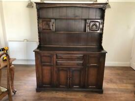 Old Charm Style Dresser