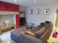 SB Lets are delighted to offer this spacious fully furnished 2 bedroom flat in Norfolk Square ,