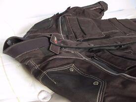 As NEW Frank Thomas 2 Piece Suit Textile