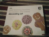 new decorating set £1