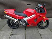 HONDA VFR800F YEAR 2000 FROM COOPERIZED FELTHAM TW13 4PA 0208 890 5353