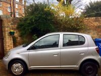 TOYOTA YARIS 2002, 5 DOOR, SILVER, FAMILY OWNED, MOT & SERVICE