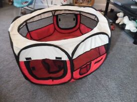 cat play pen ustd but in good condition fols into bag for storing